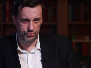 [video] Dlaczego w Polsce nie robi się sekcji zmarłym na covid-19? Trudne pytanie Gadowskiego