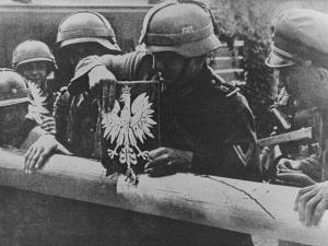 Na zachodzie sądzą, że faszyści z kosmosu wkroczyli do Polski, by razem z Polakami zabijać Żydów