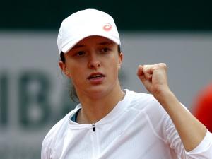 Iga Świątek nie dała żadnych szans Kanadyjce! Polska tenisistka w czwartej rundzieFrenchOpen