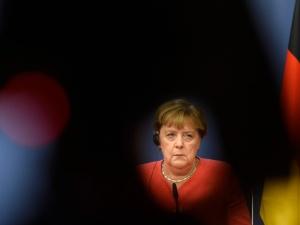 Arcydzieło Angeli Merkel.  Niemcy już obsadzają Niemkę w roli szefa NATO po zwycięstwie Bidena