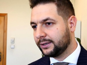 Patryk Jaki: W umowie koalicyjnej nie ma mowy o spornych ustawach