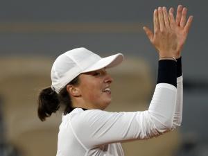 Iga Świątek wygrała z Martiną Trevisan i awansowała do półfinału wielkoszlemowego turnieju French Open!