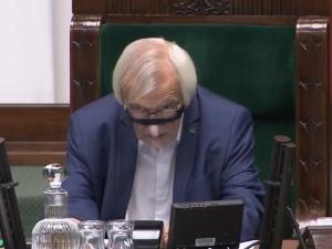 Marszałek Sejmu będzie wnioskował o ukaranie posłów Konfederacji za brak maseczek