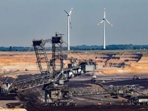 Niemcy: Po 20 lat transformacji i wydanych setkach miliardów euro połowa energii wciąż pochodzi z węgla
