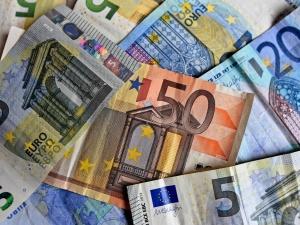 Kiedy my jesteśmy zajęci protestami Rada UE i PE dogadują mechanizm odbierania nam funduszy