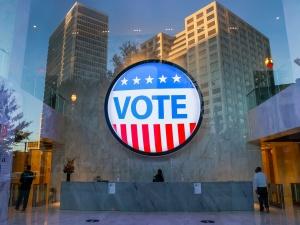 [Wybory w USA] Trwa liczenie głosów. Kto bliżej zwycięstwa? Palade: Najkrócej rzecz ujmując...