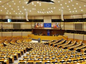 SZ: Powiązanie wypłat funduszy UE z praworządnością, uzgodnione. Będzie weto?