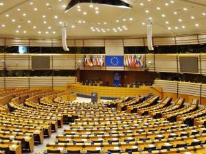 Niemieckie media: Polska groźba weta to teatralny grzmot