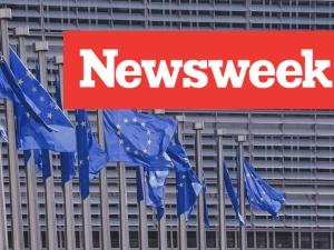 """""""Newsweek"""" o szantażach UE wobec Polski i Węgier"""