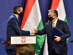 Będziemy razem walczyć. Orban zapewnia, że Węgry nie przyjmą żadnych propozycji, które byłyby nie do przyjęcia dla Polski