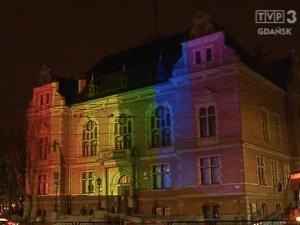 Tęczowe iluminacje na gdańskim ratuszu. Radna PiS wyjawiła, ile miały kosztować mieszkańców