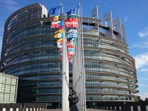 Nowe doniesienia z Brukseli: UE zaproponuje Polsce kompromis. Chodzi o... małżeństwa homoseksualne czy migrację