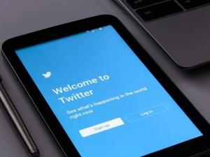 [Felieton TS] Waldemar Biniecki: Twitter a realna polityka