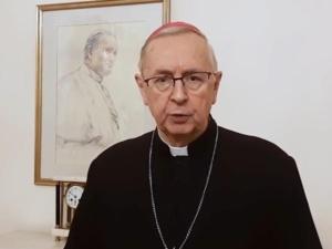 Abp Gądecki do premiera: Proszę, aby od Wigilii Bożego Narodzenia, obowiązujący limit wiernych ostał zmniejszony