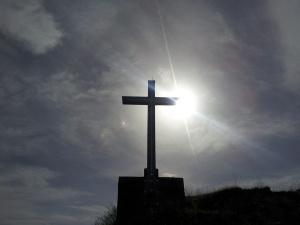 """Słowo """"chrześcijanin"""" zakazane we Francji? Skandaliczna cenzura w radio"""