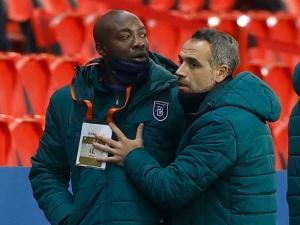 Rumuński arbiter użył wobec czarnoskórego piłkarza słowa czarny. Afera…