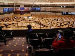 """""""Bajeczka"""". Europosłowie podzieleni ws. szczytu UE"""