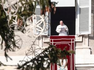 Papież: Zamiast narzekać na restrykcje z powodu pandemii, pomagajmy innym