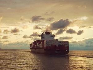 Piraci zaatakowali statek. Załoga [w tym 20 polskich marynarzy] skutecznie uniemożliwiła uprowadzenie