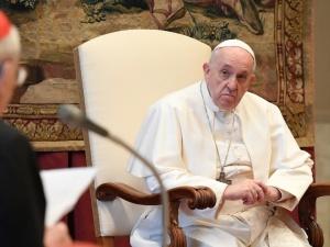 Watykan wraca do sytuacji z wiosny. Modlitwy papieskie będą transmitowane