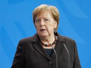 Negocjacje umowy UE-Chiny odbywają się między Berlinem a Pekinem - Saryusz-Wolski: Taki chiński NS2