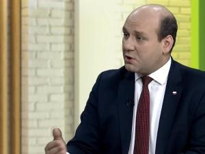 Wiceszef MSZ o tekście GW nt. polskiej pomocy w Dover: Świadectwo obłędu i rynsztoku