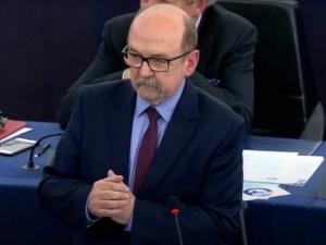 Unia Europejska nie działa w oparciu o zdrowe zasady. Legutko nie szczędzi słów krytyki