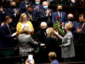 Członkowie rządu zaszczepieni poza kolejnością? Jest odpowiedź kancelarii premiera