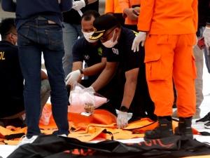 Katastrofa boeinga 737. Z morza wydobyto szczątki ofiar