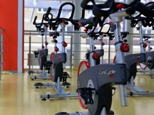 UOKiK nałożył 32 mln zł kary na największe sieci fitness. Zmowa na rynku