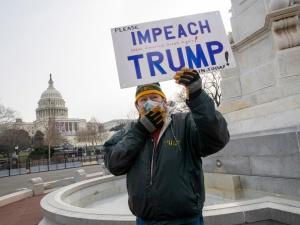 Wspierali Trumpa? Politycy, którzy nie poparli Bidena pożegnają się z dotacjami