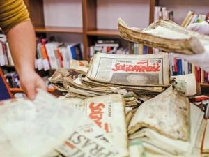 Ocalić od zapomnienia - bezcenne dokumenty trafiły do archiwum Komisji Krajowej