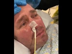 [video] Wstrząsające nagranie z Polakiem odłączonym od pożywienia w Wlk. Brytanii. Mężczyzna ma otwarte oczy i... płacze