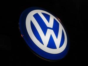 """Fabryka Volkswagena tuż obok obozów koncentracyjnych. KE """"wyraża zaniepokojenie"""""""