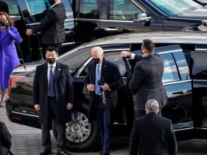 """""""Niech Bóg obdarzy Pana mądrością"""". Co Papież przekazał prezydentowi Bidenowi?"""