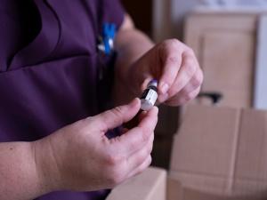 Rząd podejmie kroki prawne wobec Pfizera za opóźnienia dostaw szczepionek?