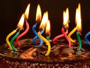 Prawy Sierpowy: Spleśniały tort na dwudzieste urodziny PO