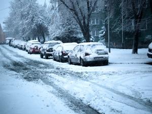 Zamiecie śnieżne i siarczysty mróz. Atak zimy w Polsce