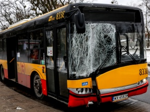 Kolejny wypadek autobusu w Warszawie. Policja bada sprawę