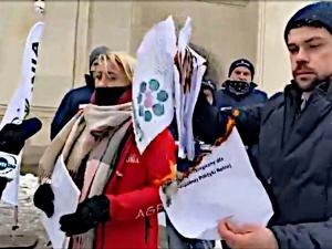Zgierski: Kołodziejczak z AgroUnii pali dokumenty czy głupa? Nowy Lepper czy nowa Marta Lempart?