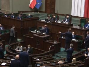 [video] Co to jest?!. Siadaj, Nitras!. Awantura w Sejmie. Spięcie marszałka Terleckiego z posłami PO