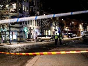 Szwecja: Nożownik, który zranił osiem osób był znany policji
