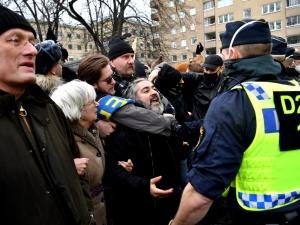 Szwecja: Policja rozbiła demonstrację koronasceptyków