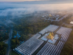 Finansowe tło zamachu stanu. Wojsko Birmy ma biznesy w turystyce, bankowości i górnictwie