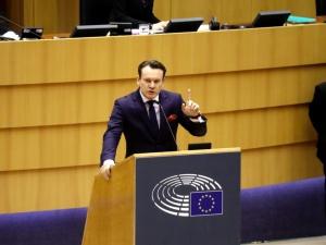 """[WIDEO] """"Polski naród nie chce lewackiego podejścia"""". Tarczyński nie pozostawia suchej nitki na Biedroniu"""