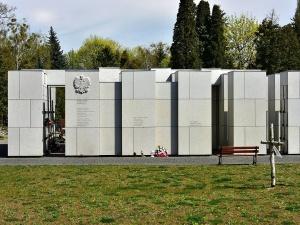 [Tylko u nas] Tadeusz Płużański: Powązki. Potrzebne śledztwo IPN, Panteon i…