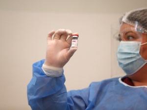 Niemcy i Francja zawieszają szczepienia antycovidowe preparatem AstraZeneca