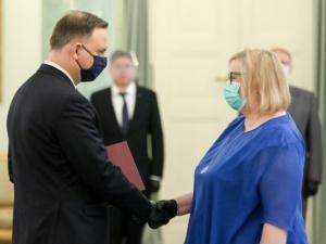 """Pierwsza prezes Sądu Najwyższego w szpitalu. """"Poważny przebieg zakażeniaCOVID-19"""""""