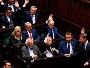 """Nieoficjalnie: PiS przesuwa prezentację """"Nowego Polskiego Ładu"""""""