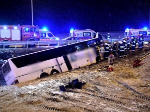 Tragiczny wypadek autobusu na A4. Nie żyje jedna osoba, są ranni